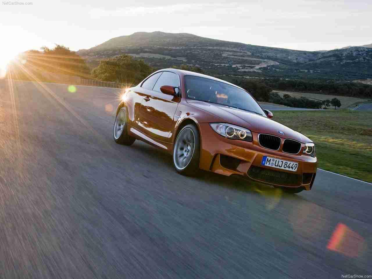 http://1.bp.blogspot.com/_lsyt_wQ2awY/TQRZZ6__HBI/AAAAAAACICw/uW-u1Hl0D6E/s1600/BMW-1-Series_M_Coupe_2011_1280x960_wallpaper_08.jpg