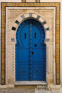 Etchouf portes de sidi bou said for Decoration porte sidi bou said