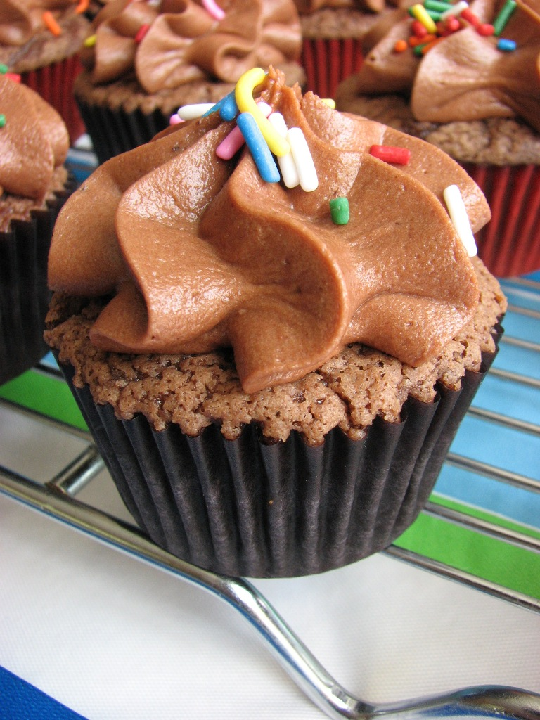 Heidi Bakes Milk Chocolate Cupcakes With Chocolate Icing