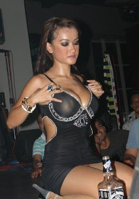 FOTO HOT JULIA PEREZ MABUK