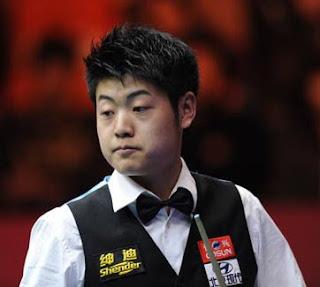 Лян Веньбо не разочаровывает своих китайских фанатов и понемногу покоряет сердца болельщиков мирового снукера