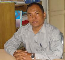 Pa Empud (Kepala Sekolah)
