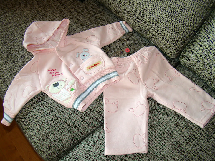 Costumas grosut primavara/toamna cu broderie 4-9 luni- 30 ron