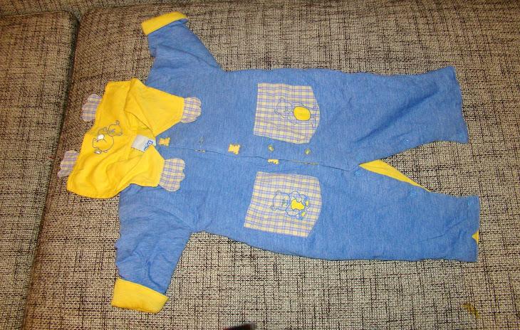 Costumas primavara/toamna unisex, model ursulet, 3-6 luni, pret 30 ron