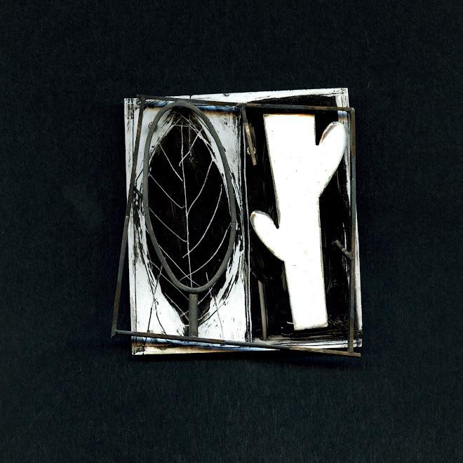 """nº 1116 """"Bini qualitas"""" , brooch, 2006"""
