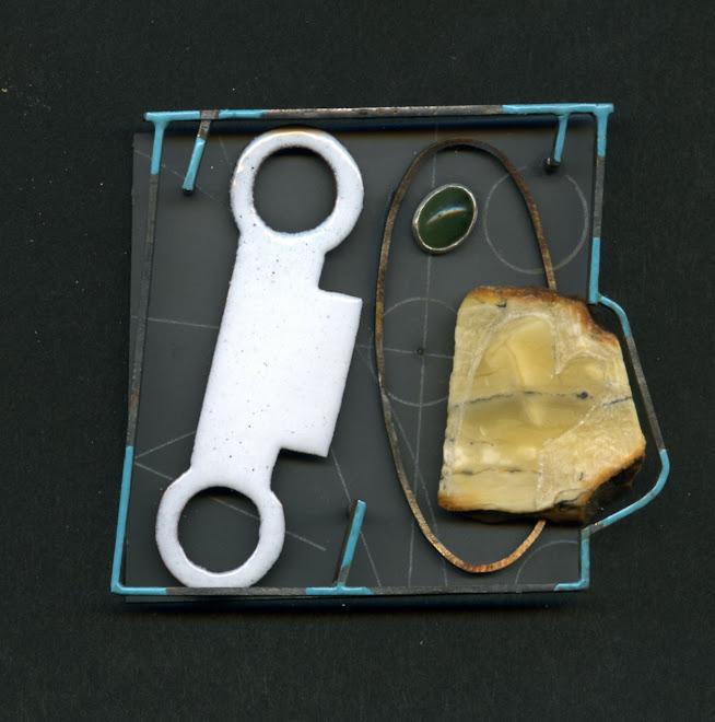 nº 1147 brooch 2007. silver, nickel silver, plastic, enamel, amber, olivine, acrylic painting.