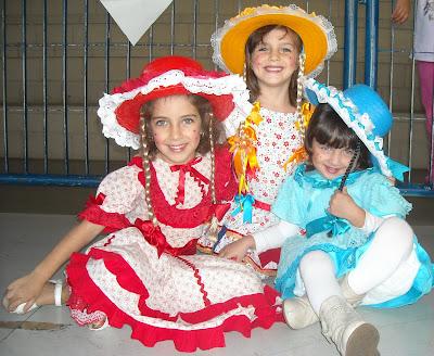 Blog do voinho junho 2010 as caipirinhas mariana talita e ana clara fandeluxe Choice Image