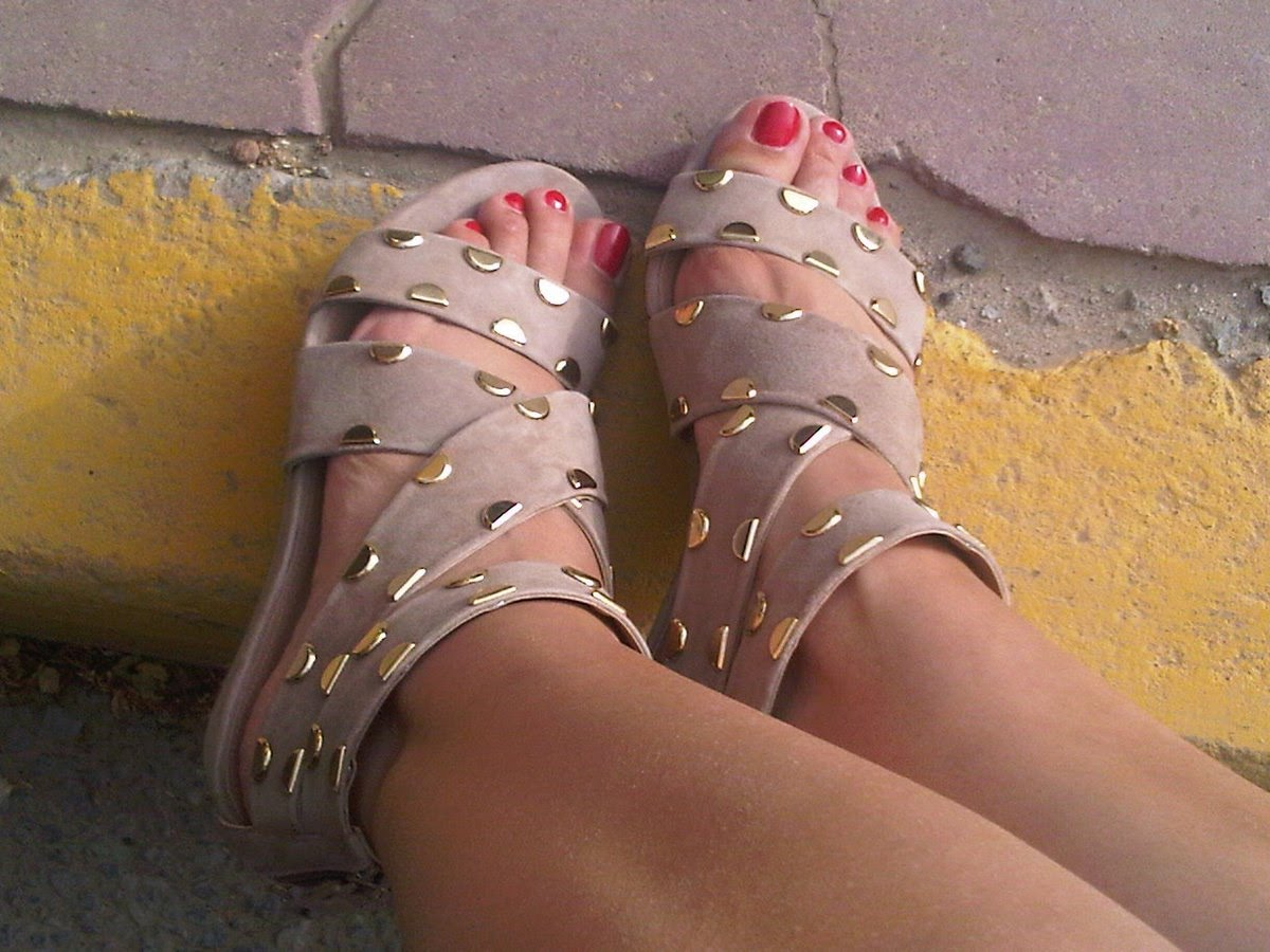 These sandals from Zara's older and more mature sister store Uterque are a ...