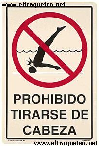 Eltraqueteo net en la piscina prohibido tirarse for Tirarse a la piscina