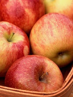 Apples for skin care