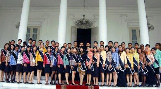 Duta Pariwisata Indonesia Angkatan 1(2006)
