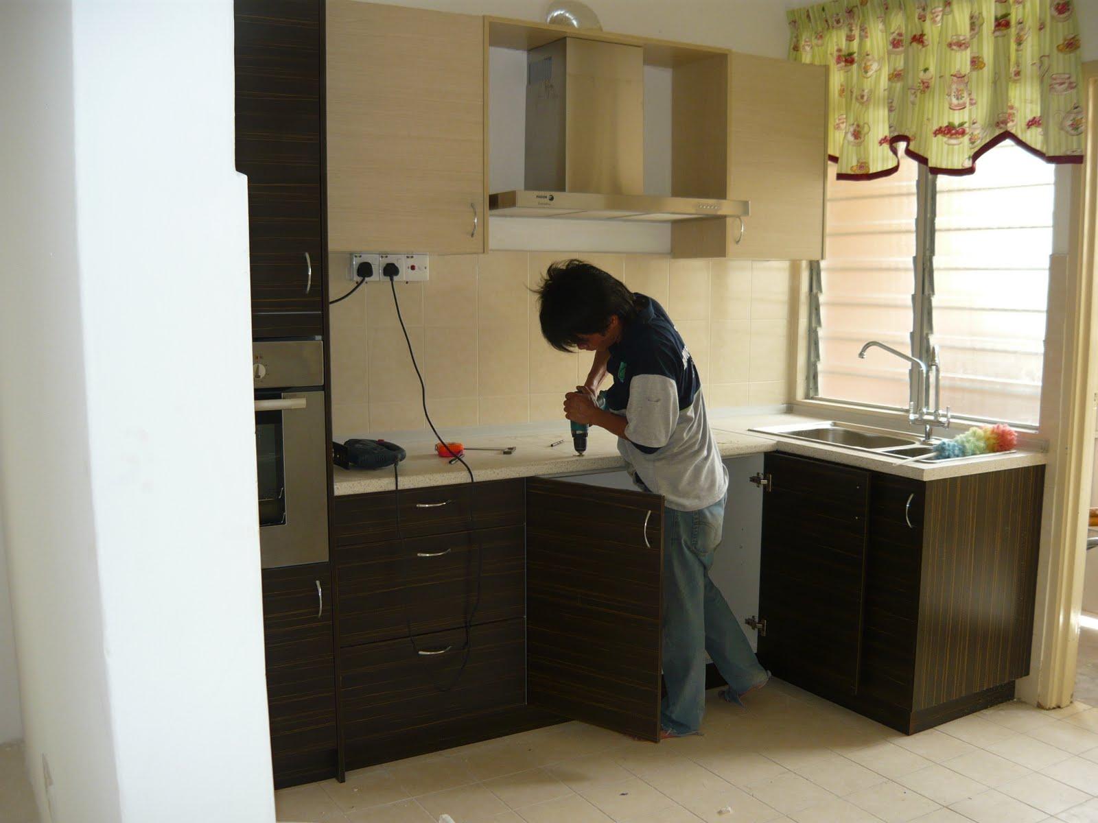 Kitchen Cabiyang telah 'berisi'