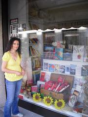 IO e RESET in vetrina alla libreria LA CATTEDRA di CLES