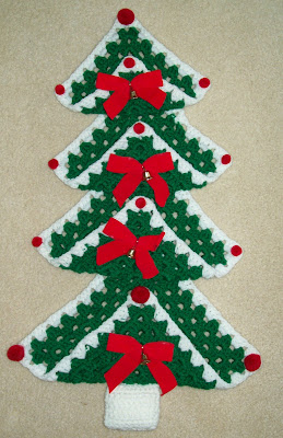Free Crochet Granny Square Christmas Tree Pattern : Hook, Yarn, and Pattern: Granny Square Christmas Tree