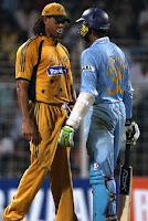 Harbhajan-Singh-Bhajji-Andrew-Symonds-Sydney-Test