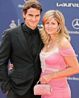 Mirka Vavrinec watches boyfriend Roger Federer beat Ivo Karlovic