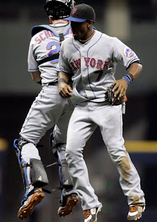 Jose Reyes celebrates another Met win in the usual way