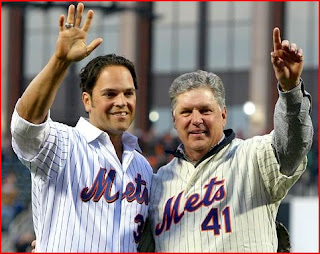 Tom Seaver and Mike Piazza look like a gay couple