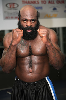 what the fuck is up with Kimbo's belly button?