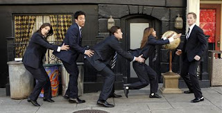 How I Met Your Mother has a big song and dance routine planned for episode number 100