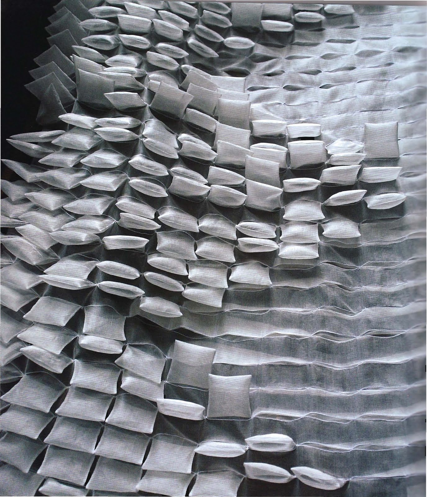 Textile atmospheres deepa panchamia for Architecture textile