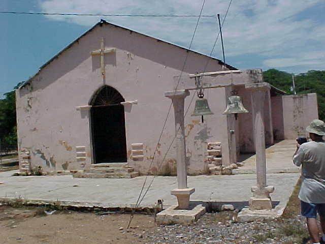 Iglesia de Los Mayos ubicada en los linderos de Culiacán y Tamazula Durango.