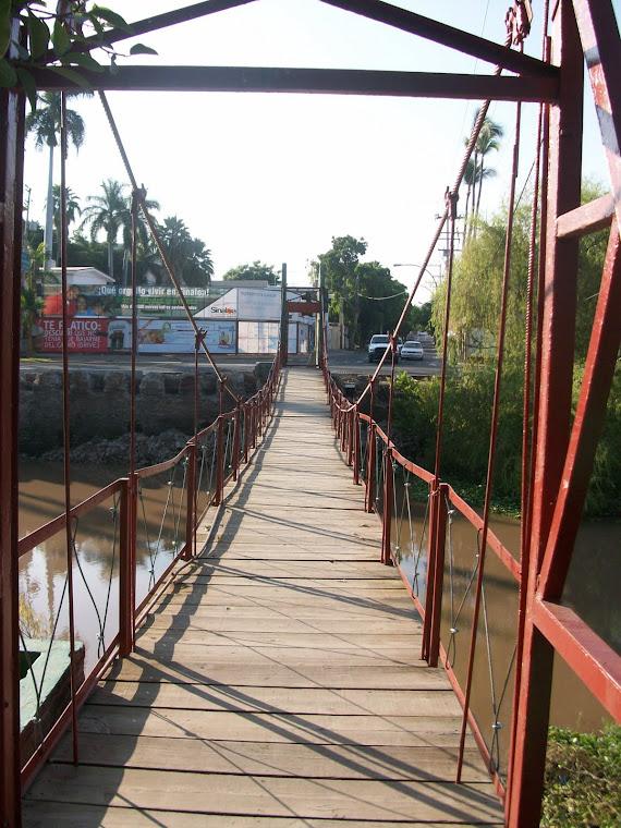 Puente de la Isla de Oraba