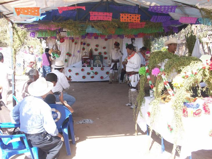 Altar  y ofrenda funebre de los yoremes
