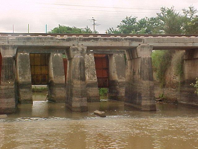 Puente de ferrocarril en Bella Vista, sindicatura de Culiacancito