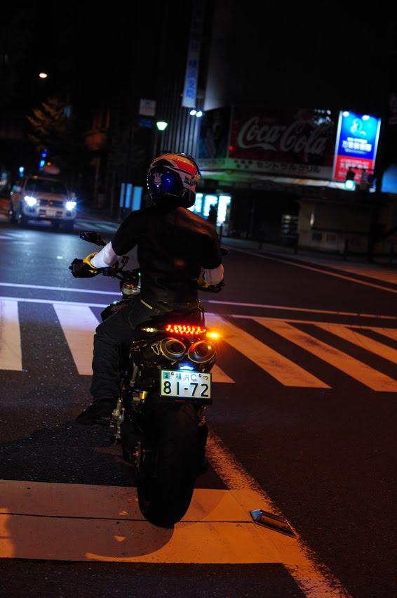 [深夜のハイパー3台821+++DSC_0543.jpg]