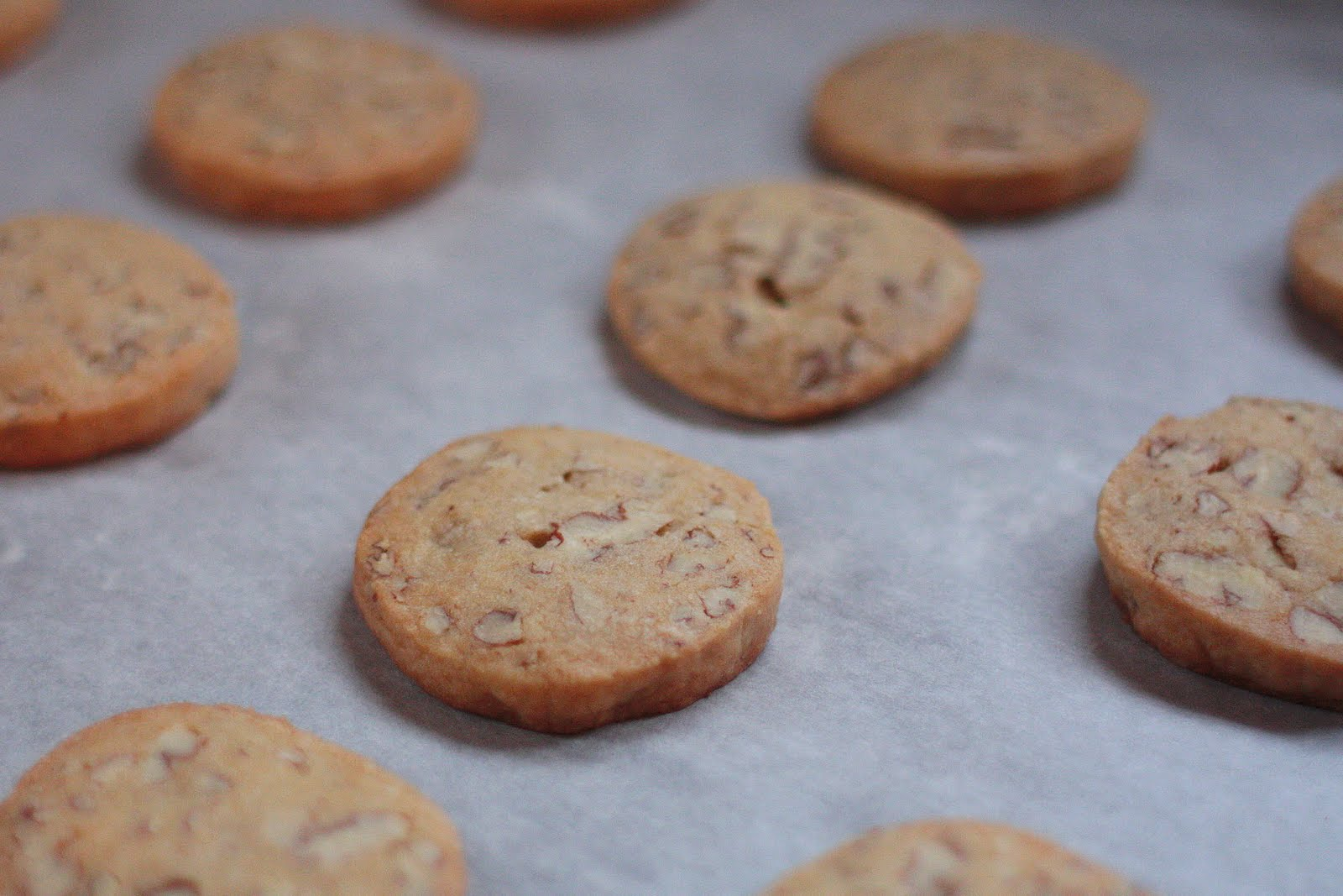 Under the High Chair: Glazed Maple-Pecan Cookies