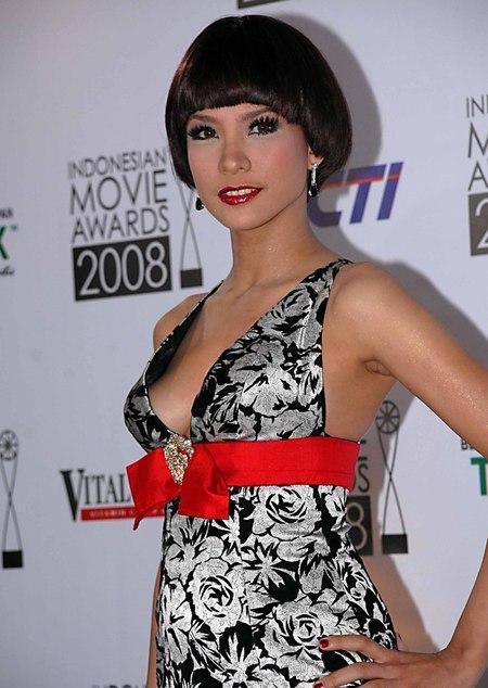 Rachel Maryam, Artis Cewek Seksi Indonesia