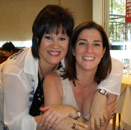 Mi mamá y Debora Perez Volpin