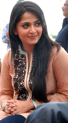 Anushka+Shetty+Closeup+Photos.jpg (480×868)