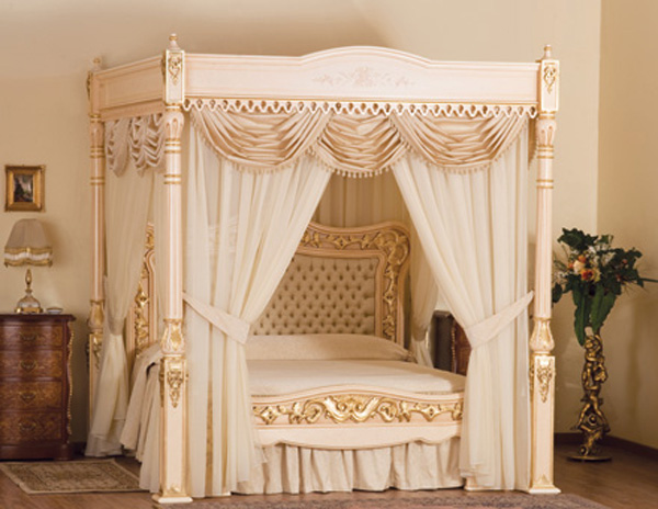 The Baldacchino Supreme Certainly Has A Royal Feel About It Why Wouldnt 107kg Of 24 Karat Gold Went Into Its Making Bed And Canopy Been