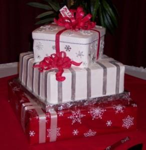 Tiaras and Bowties: Christmas Wedding Cake Poll
