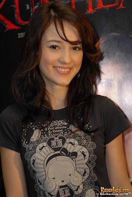 julie+estelle 10 Artis Indonesia Tercantik 2013/2014 (Penyanyi, Bintang Film, Sinetron)