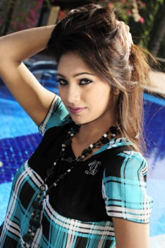 Sifat E Tahsin Hot Pics - Lux Channel I Super stars