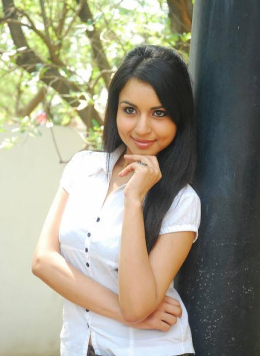 aparna malayalam aparna sharma white tshirt aparna river bath breast aparna very tight boob picture actress pics