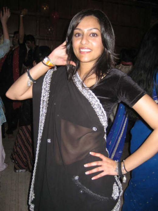 http://1.bp.blogspot.com/_mCQCUdBDa_U/S9J7nUGDW1I/AAAAAAAAH8c/Y6mQrJ62b6A/s1600/aunty-saree-9.jpg