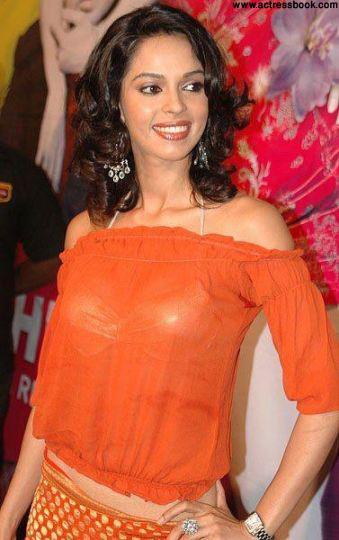 Mallika Sherawat Nude Pictures 75
