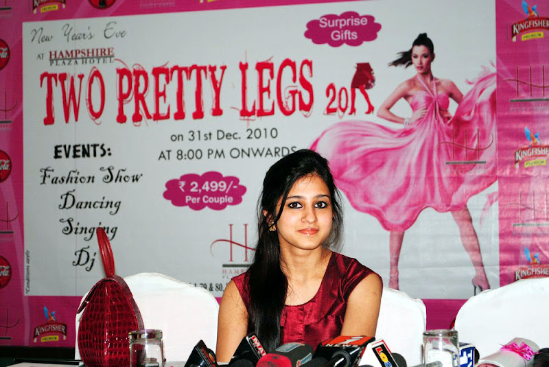 Two Pretty Legs  Ticket Launch Tamil Actress Saudamini Kaur Cute Stills hot photos