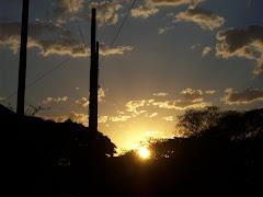""""""" Só o sol, que acalma o meu feliz cansaço"""""""