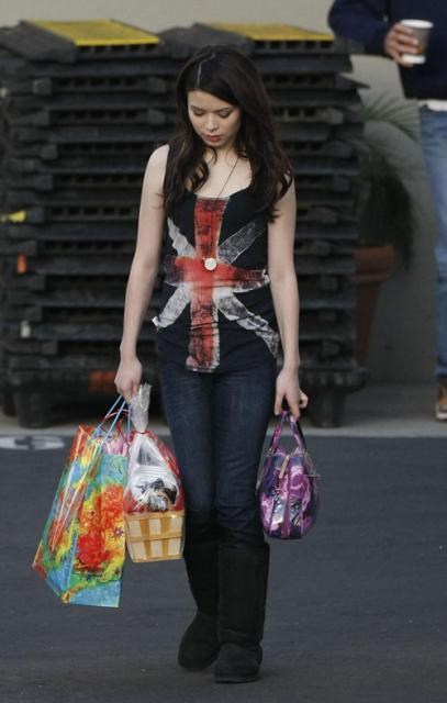 Miranda's Brittish Flag Look