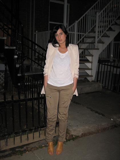 veston(Zara), t-shirt(H&M) et pantalon(La Squadra)