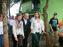 Governadora Yeda Crusius acompanhada do Presidente da Expofeira, Manjabosco e sua esposa Rosa