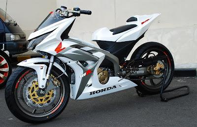 Foto Modifikasi Motor Honda Blade Juara   Motorcycle Case