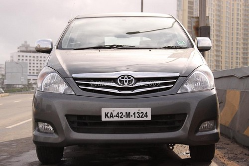 2010 Toyota Innova Diesel BS4 standards Photos