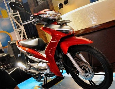 Gambar New Honda Revo AT Matic