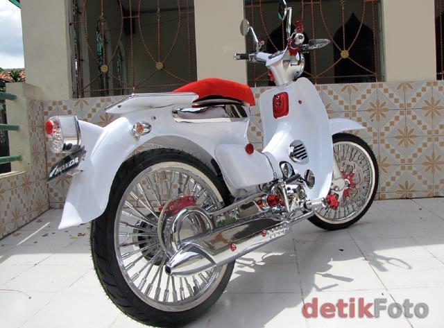 Gambar Modifikasi Motor Honda C70 title=